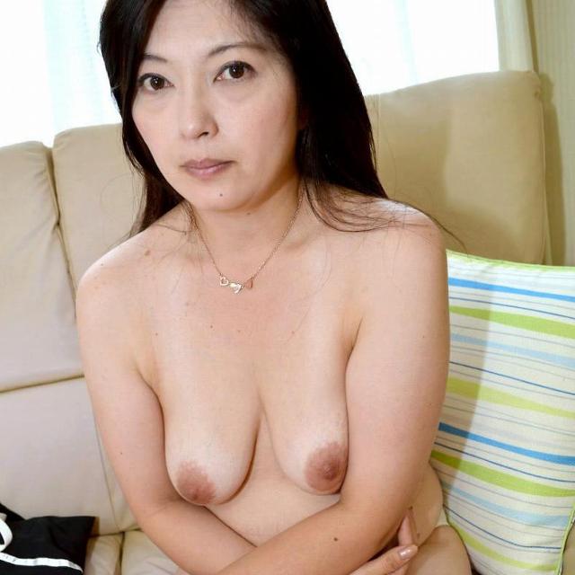 長内美佳-垂れ乳-00
