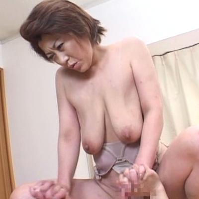 叶艶子-垂れ乳-爆乳-デカ乳首-熟女