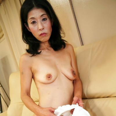 荒井美玖-貧乳-垂れ乳-淫乱-熟女-バクシーシ山下